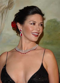 Catherine Zeta Jones Hairstyle Picture Gallery - celebrity Hairstyle Ideas for Girls