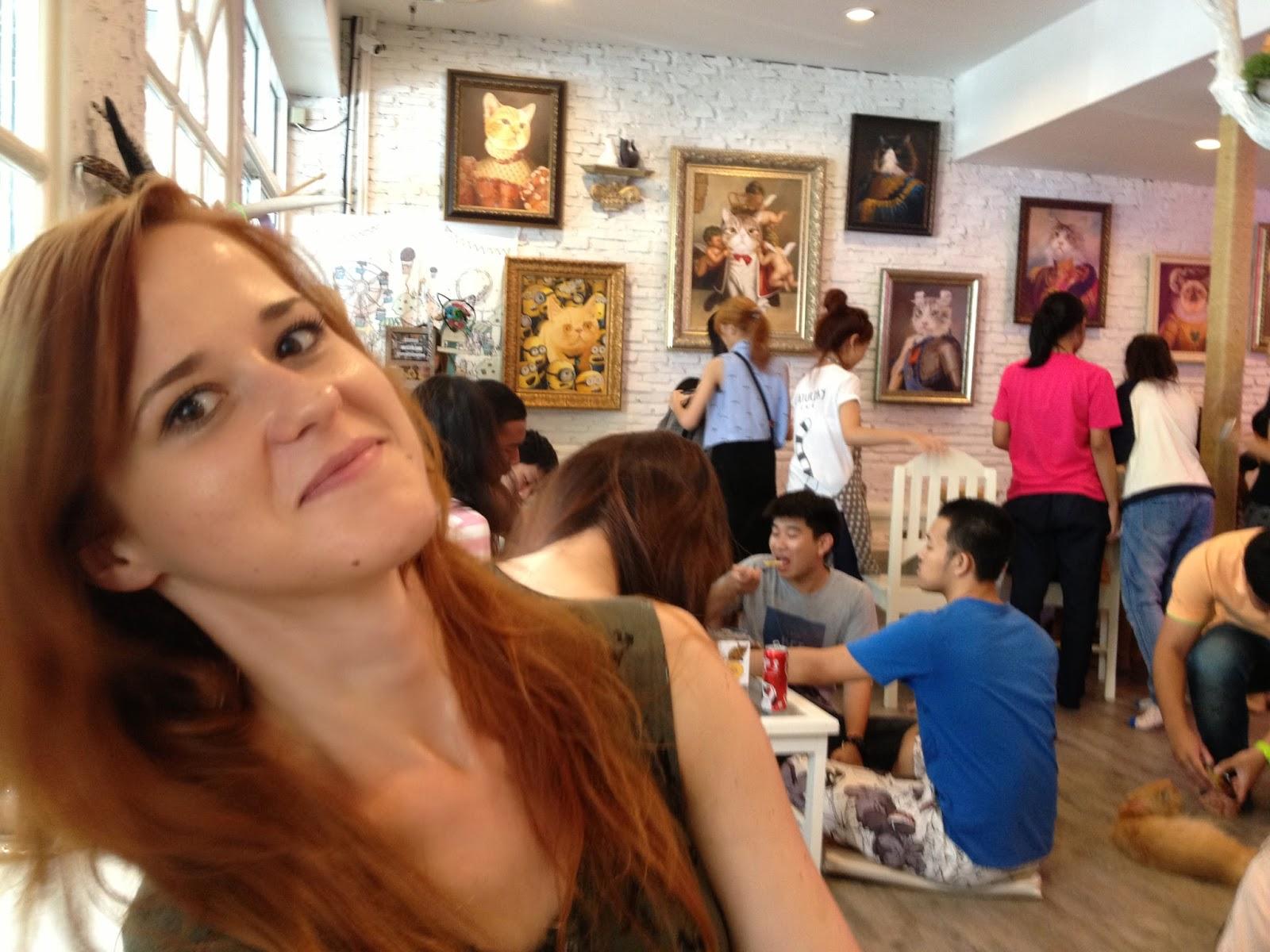 kočky, milovníci koček, blog o kočkách,blog o Thajsku, Sirocco Bangkok, restaurace Bangkok, Lebua Bangkok, Lebua Thajsko, Sirocco Thajsko, The Dome Thajsko, blog o bangkoku, thajský blog, kam zajít v Bangkoku, co navštívit v Bangkoku, co navštívit v Thajsku, nejlepší místo v Bangkoku, kde se natáčela Pařba v Bangkoku, Pařba v Bangkoku,thajská kultura, thajsko, thajsko bez cestovky, thajsko na vlastní pěst, thajky, thajská seznamka, blog o thajsku, thajský blog, život v thajsku, cestování po thajsku, cestování bangkok, bangkok na vlastní pěst, fashion house, fashion house blog, fashionhouse.cz, www.fashionhouse.cz, češka žijící v zahraničí, češi v Asii, ubytování bangkok, cestovní rádce bangkok, život v zahraničí, blog o cestování, blog o životě v Thajsku, práce v Thajsku, víza do Thajska, kadeřnictví, kadeřnictví v Thajsku, dovolená v thajsku, bydlení v thajsku, czech expats, český blog, nejlepší český blog, kam zajít v Bangkoku,
