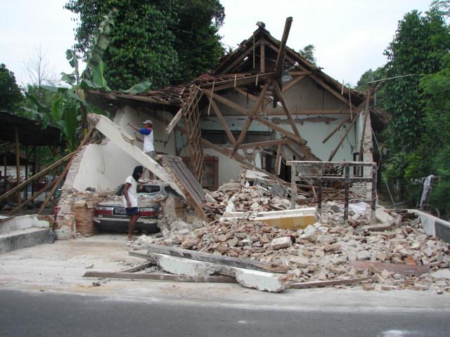 bencana gempa bumi