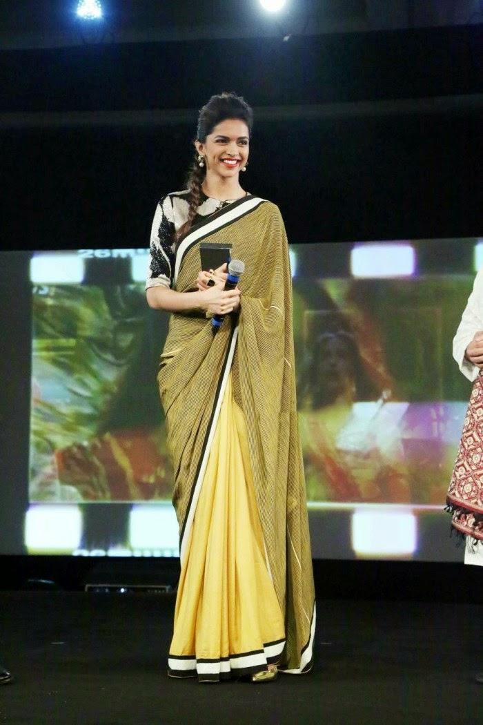 Deepika Padukone New Hot HD Wallpapers in Saree
