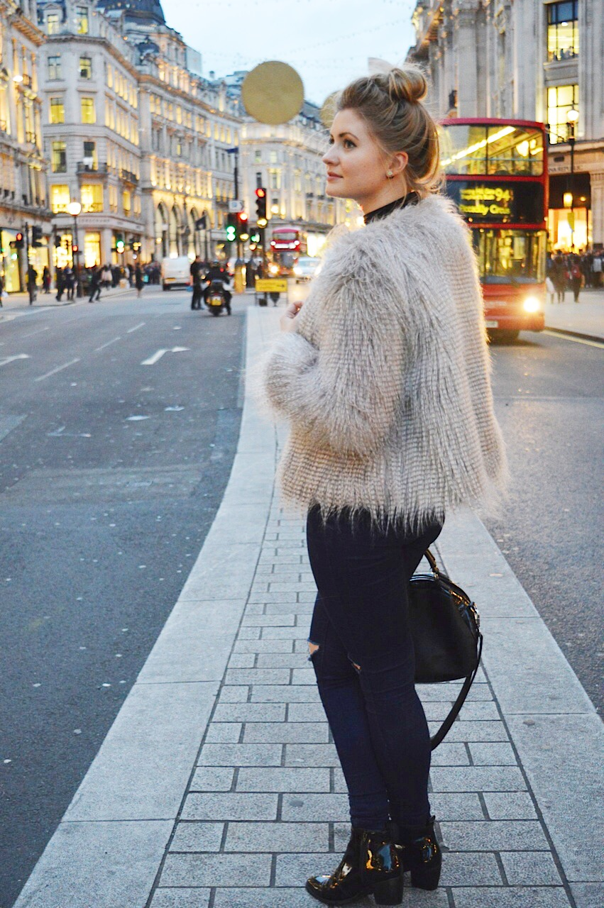 Faux fur coat winter outfit, fashion bloggers, FashionFake