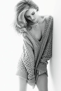 rosie-huntington-witheley-tricot-vogue