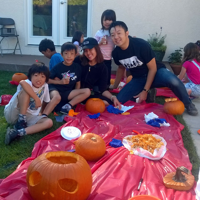 Halloween pumpkin carving party