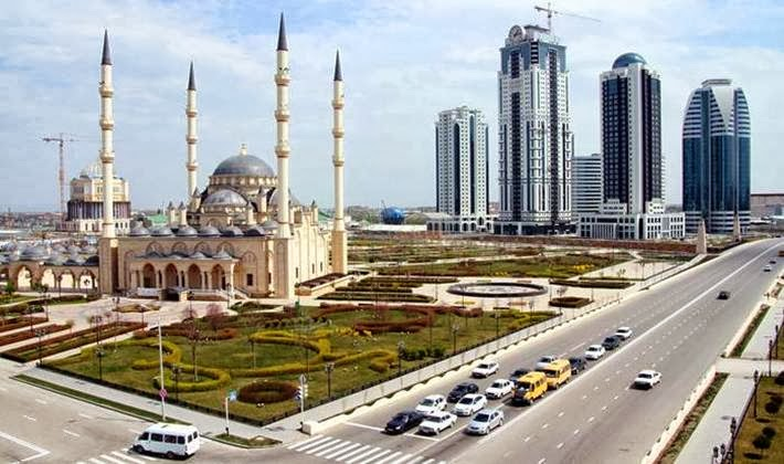 "Mosque ""Heart of Chechnya"" in Grozny - one of the big, beautiful and majestic mosques in Europe and the world. Opened October 17, 2008 and named after Akhmad Kadyrov, the first President of the Chechen Republic."
