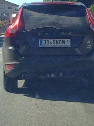 coche jon nieve matrícula - Juego de Tronos en los siete reinos