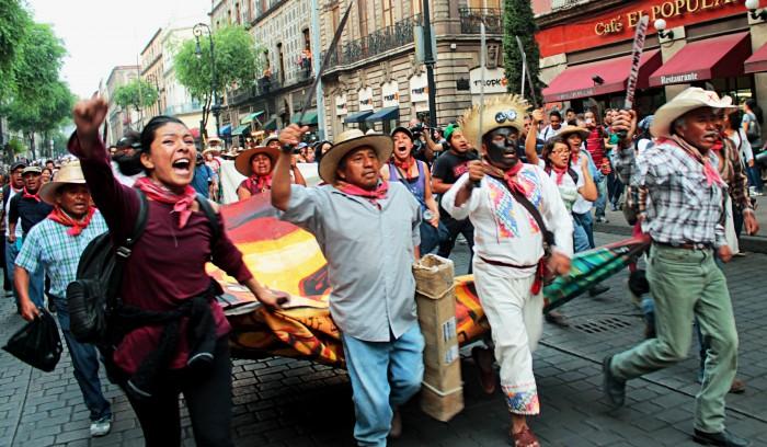 Los pobladores de Atenco están dispuestos a defender sus tierras con su vida