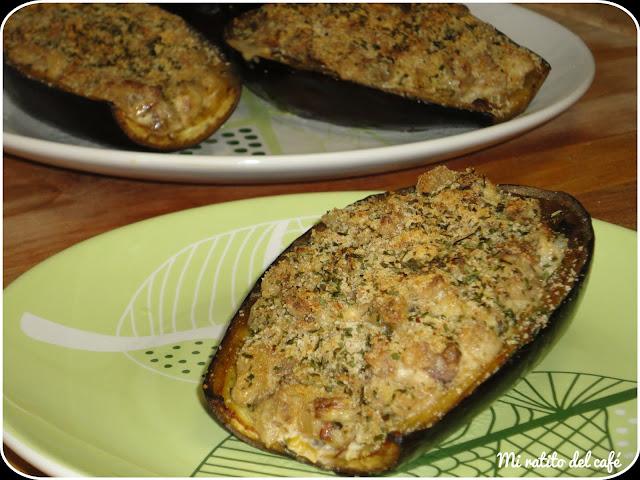 Berenjenas rellenas de queso y verduras
