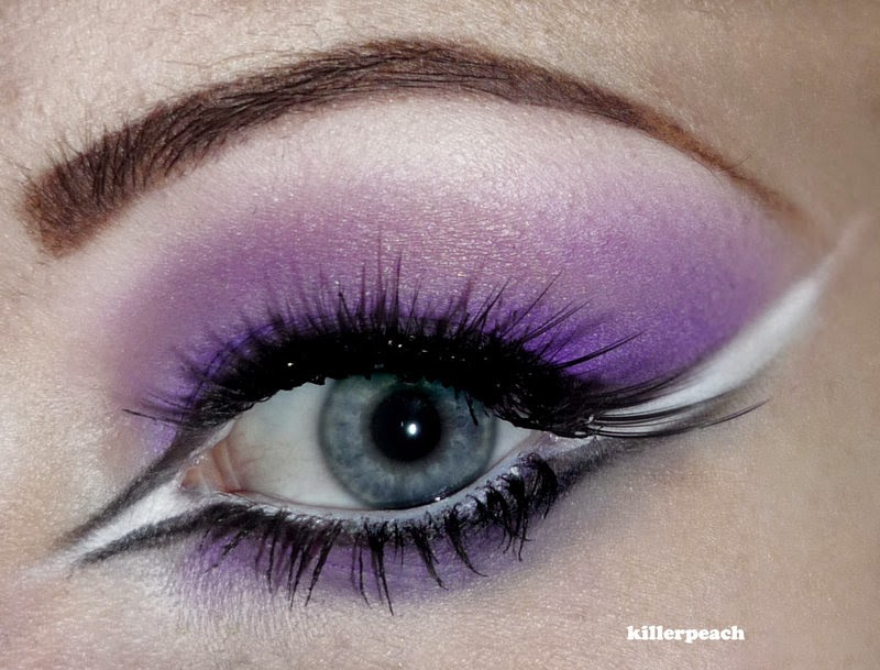 25-Valentine-Day-Killerpeach94-Body-Painting-The-Eye-Treatment-www-designstack-co