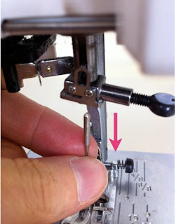 change sewing machine needle