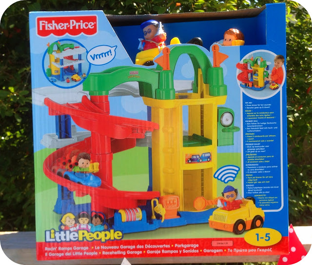 Fisher price little people fun sounds farm and racin - Fisher price little people racin ramps garage ...