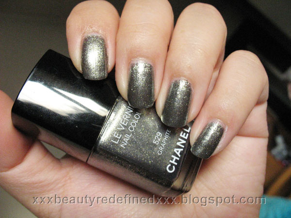 BeautyRedefined by Pang: Chanel Graphite Nail Colour Swatches