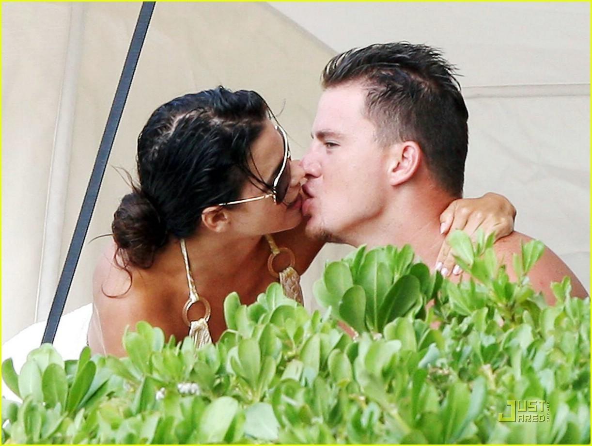 http://3.bp.blogspot.com/-UptgU1gbSYM/T8700KbNw8I/AAAAAAAAC-s/tMv2wC_nC_M/s1600/Channing+Tatum+Wife+Jenna+Dewan+2012_9.jpg
