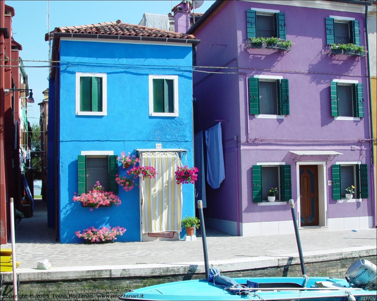 I d a 3 interior designers architects la casa a - Facciate di case colorate ...