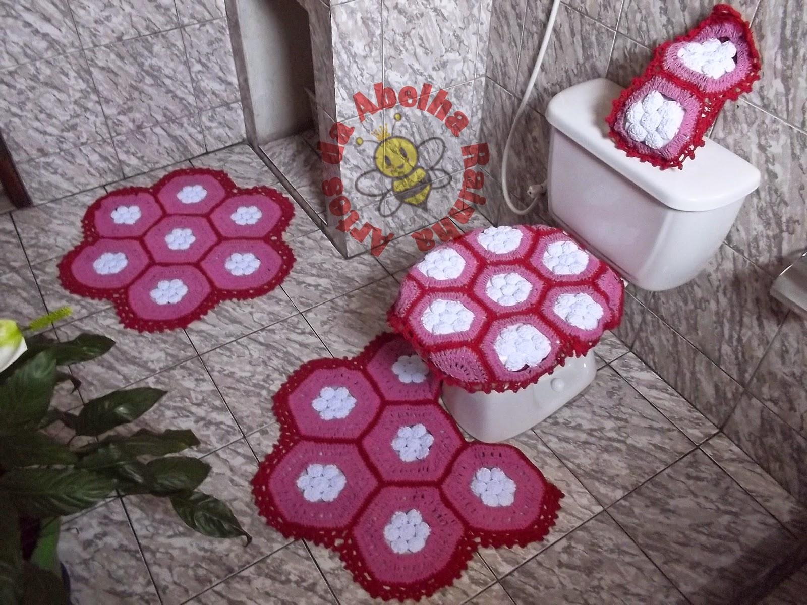 Jogo de banheiro de crochê em barbante vermelho rosa e branco #6E2E3D 1600x1200 Banheiro Branco Com Detalhe Vermelho