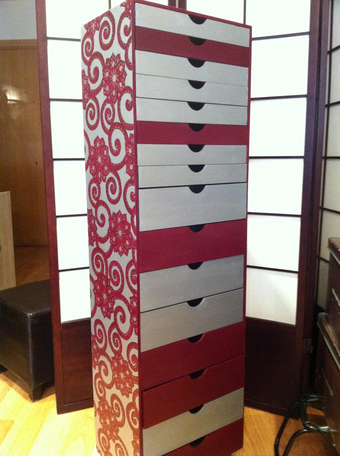 Mueble pintado a mano manualidades for Muebles pintados a mano