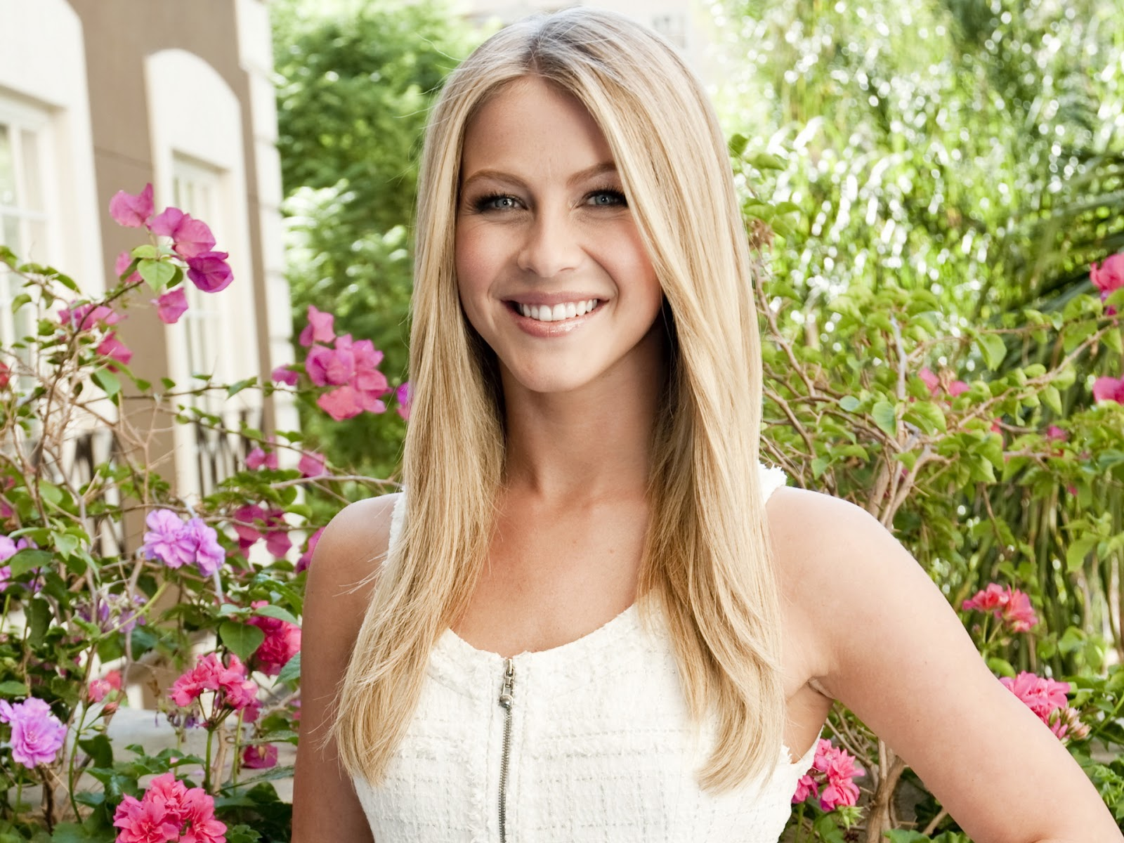 Julianne Hough 2012