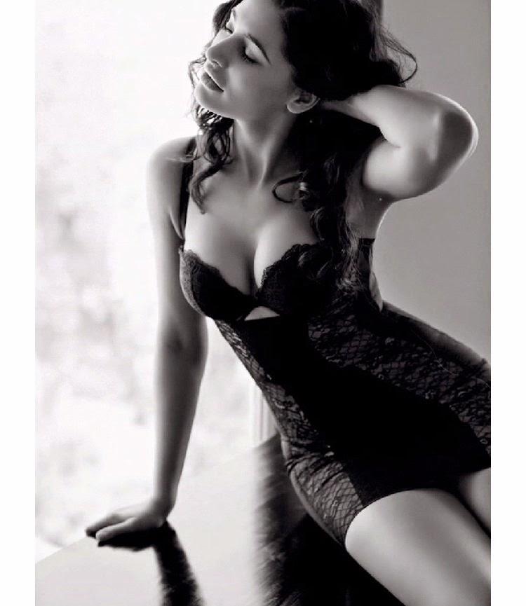 Nargis Fakhri Hot Photoshoot for Maxim India | Filmy Trend: filmytrend.blogspot.com/2014/09/nargis-fakhri-hot-photoshoot-for...
