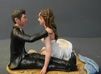 top cake statuine sposi tema mare spiaggia conchiglie sposini orme magiche
