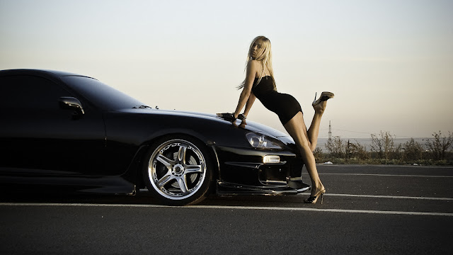 http://3.bp.blogspot.com/-UqS7e0mtTEA/TcUXo4WapfI/AAAAAAAACoo/ikKBckUWq3M/s1600/Toyota-Supra-Girl.jpg