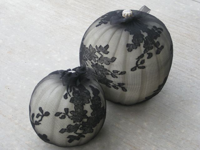 diy last minute elegant halloween pumpkin decorations - Elegant Halloween Decor