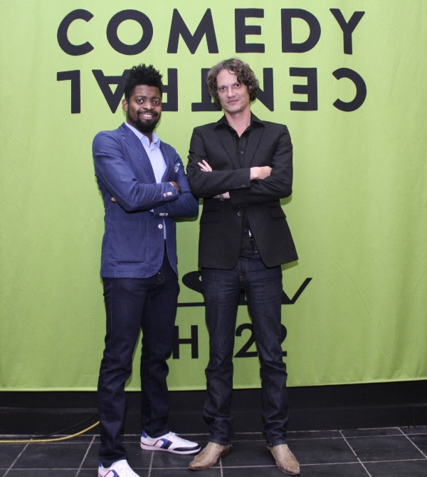 how to watch comedy central live