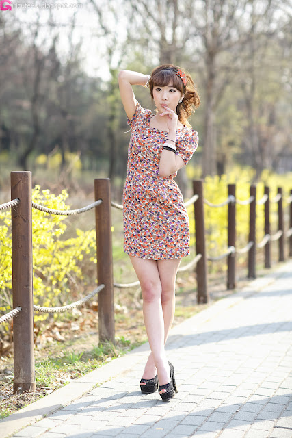 5 Lovely Minah in Colourful Mini Dress-very cute asian girl-girlcute4u.blogspot.com