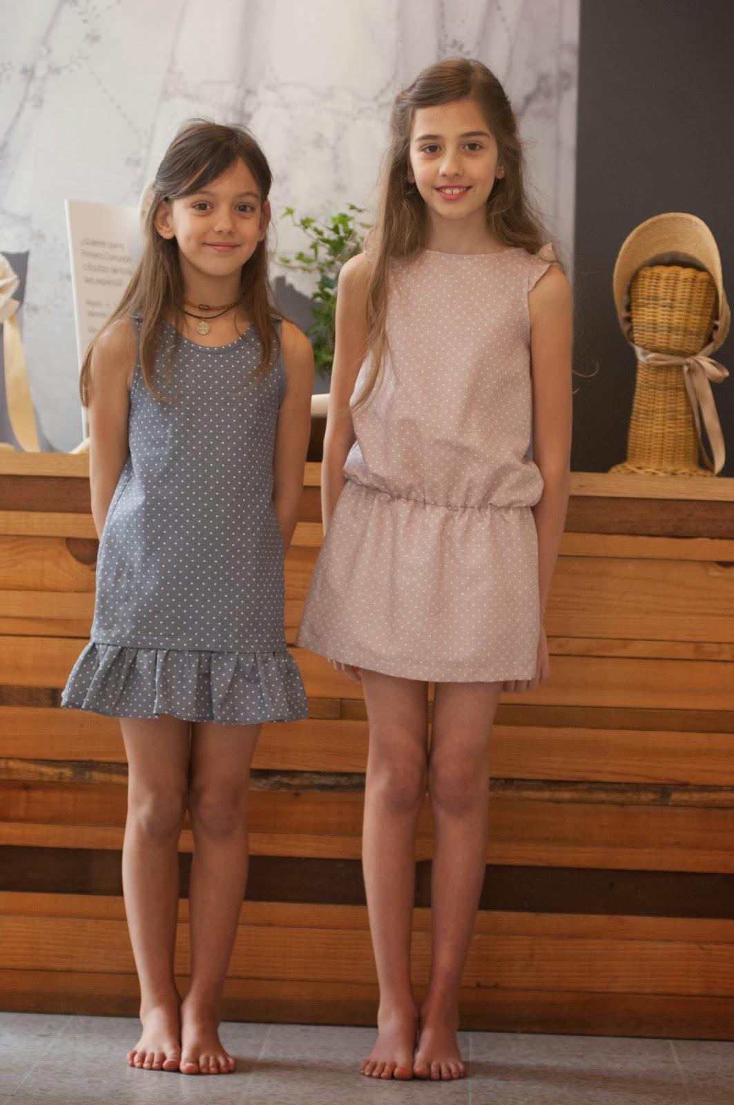 image 2 teens en los vestidores
