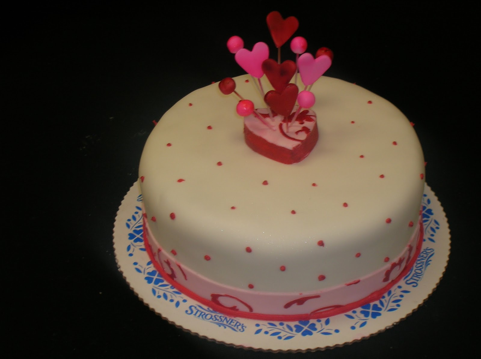 Valentine S Day Cake Images : Valentine Day 2016 Cakes Picture - Send Cakes online