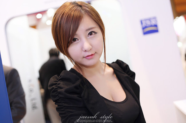 1 Ryu Ji Hye - SEMICON Korea 2012-very cute asian girl-girlcute4u.blogspot.com