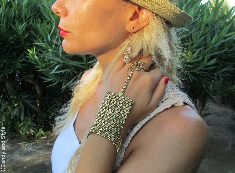 Urbiana Jewelry: Earrings and Bracelet