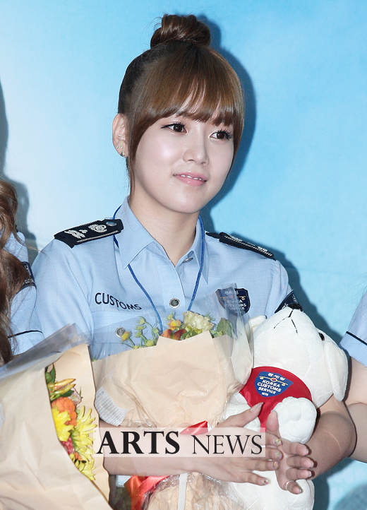 [11.09.16] T-ara son nombradas como embajadoras honorarias de Seúl en Aduanas 20110916_tara_customs_2