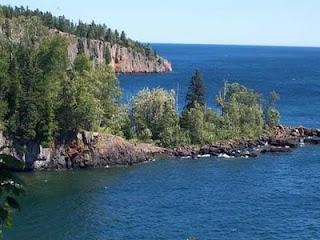 10 danau terluas di dunia