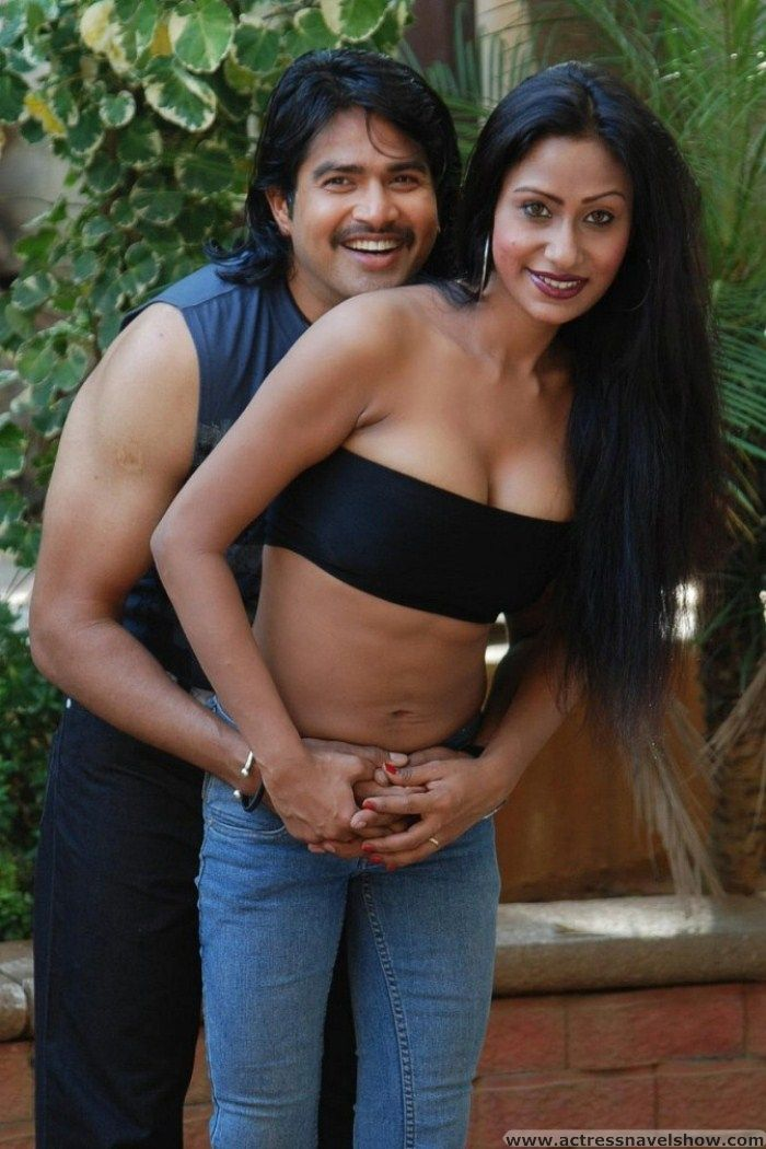 Aunty Spicy NAvel Show Stills