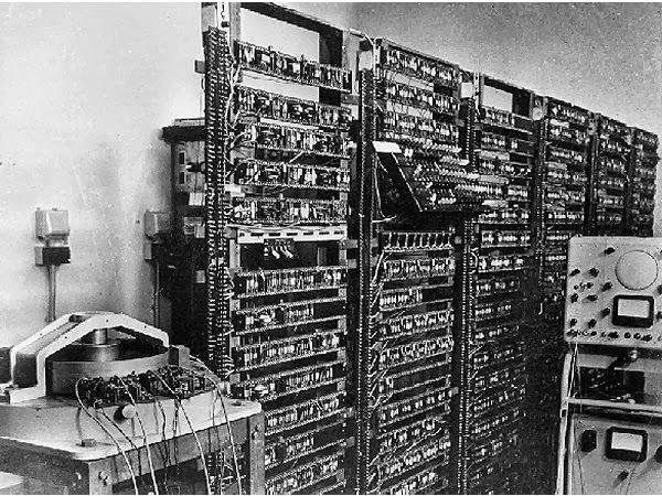 Disciplina  - Teoria da Informática - Em andamento - 1ª Semestre -2015 - Encerrado Manchester_TC_Transistor_Computer