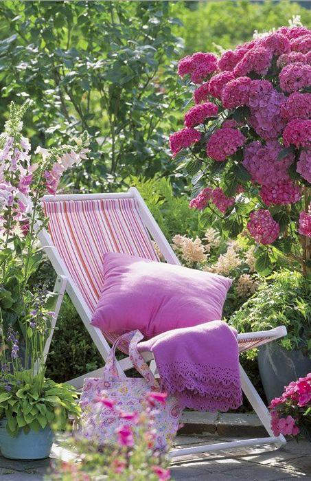 Un jard n lleno de flores muebles de jard n for Cuarto lleno de rosas