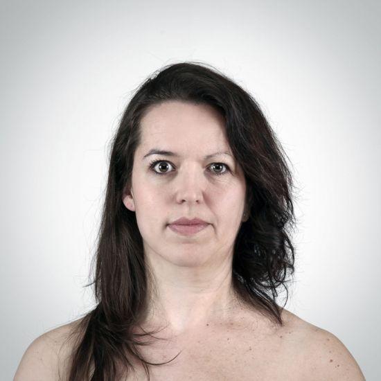 Ulric Collette fotografia surreal photoshop retratos genéticos família rostos misturados autorretratos Filha/mãe - Véronique (29 anos) e Francine (56 anos)