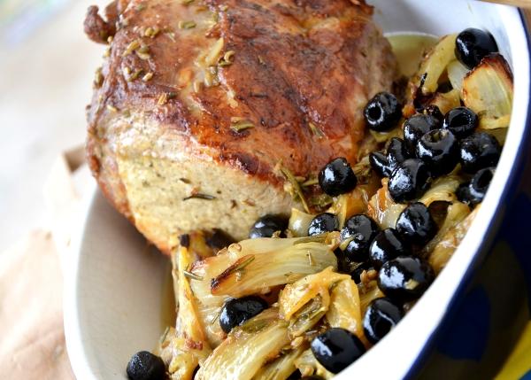 arrosto di maiale con finocchi e olive nere denocciolate