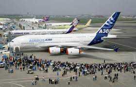 Pesawat Airbus A380 sedang dipamerkan
