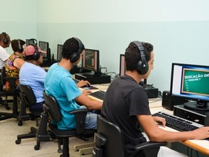 Há vagas para cursos de informática gratuitos (Foto: MarquinhosFerreira)