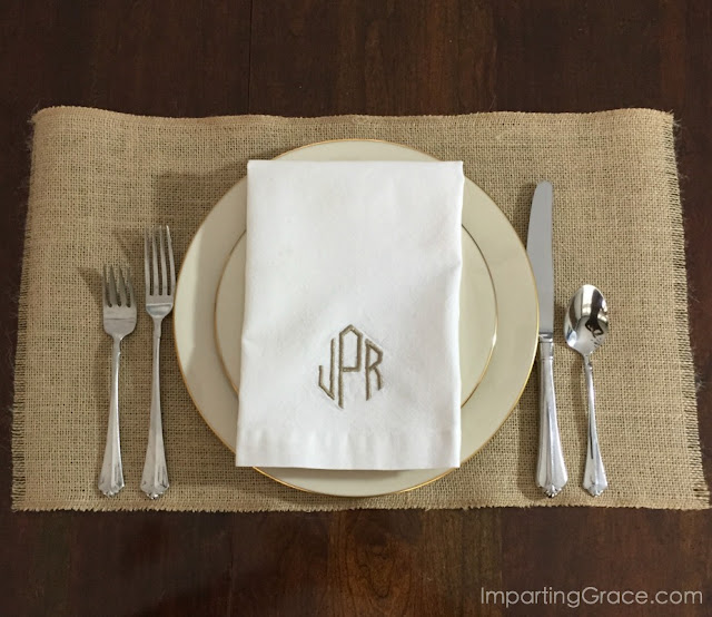 Need a bunch of placemats?  Here's a simple, inexpensive way to make your own in just a couple of minutes! Super-easy DIY placemats @ ImpartingGrace.com