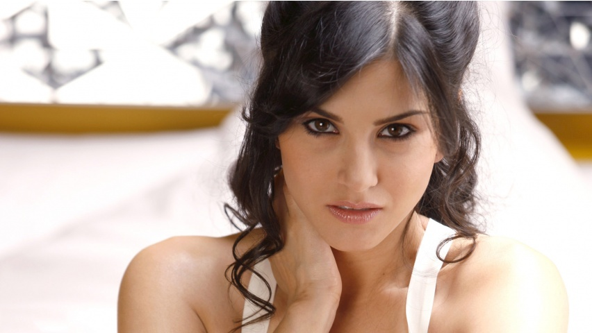 You Can Download Free Of Cost All Our Sunny Leone Wallpapers You Can Use Our Free Wallpapers In High Resolution For You Pc Desktop Laptop