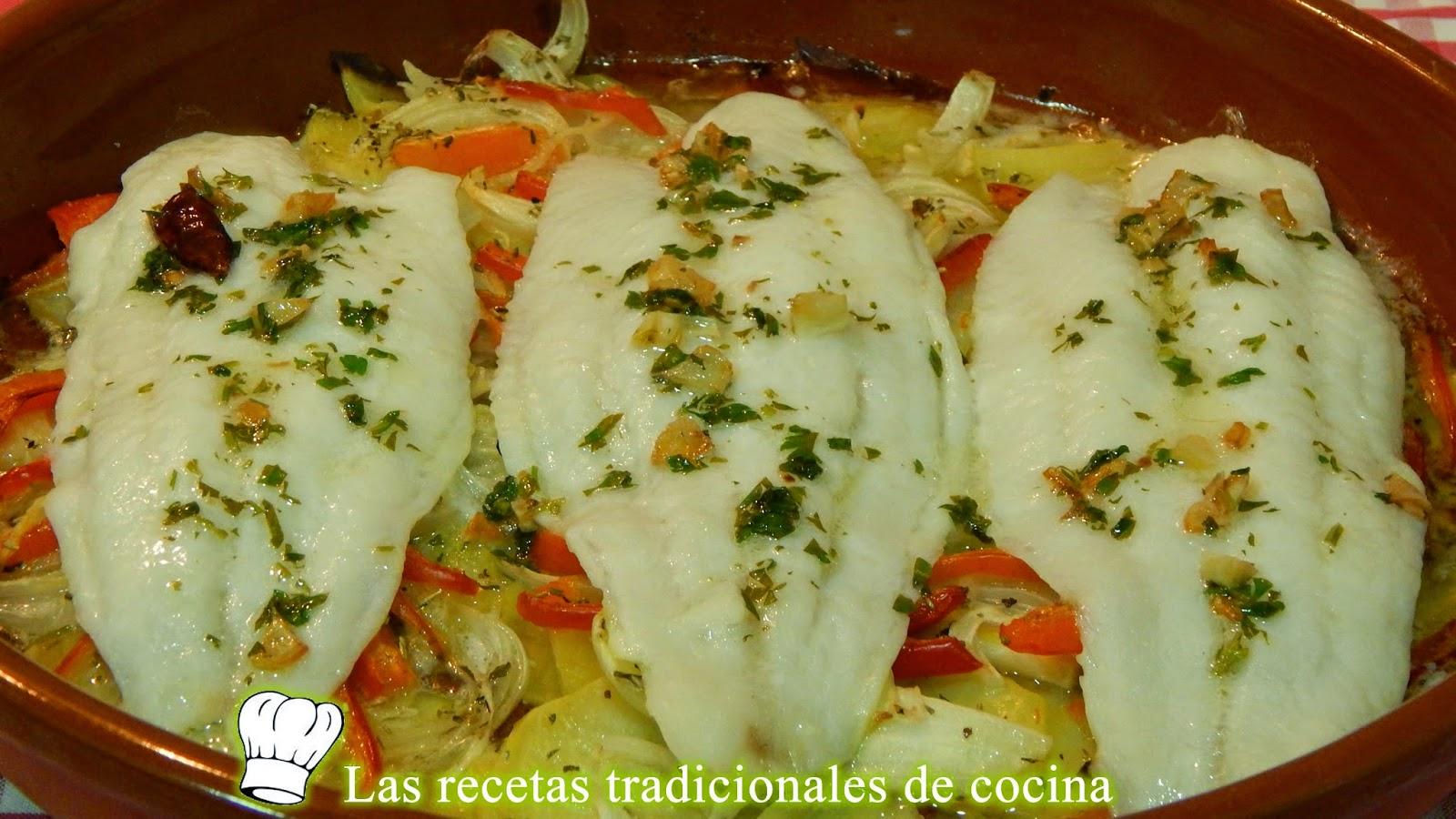 Pescado al horno con patatas y pimientos