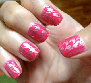Hot pink nails with houndstooth print BM322