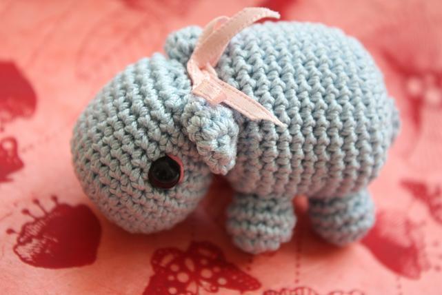 Crochet Pattern Free Hippo : HAPPYAMIGURUMI: Amigurumi Hippo PDF pattern!