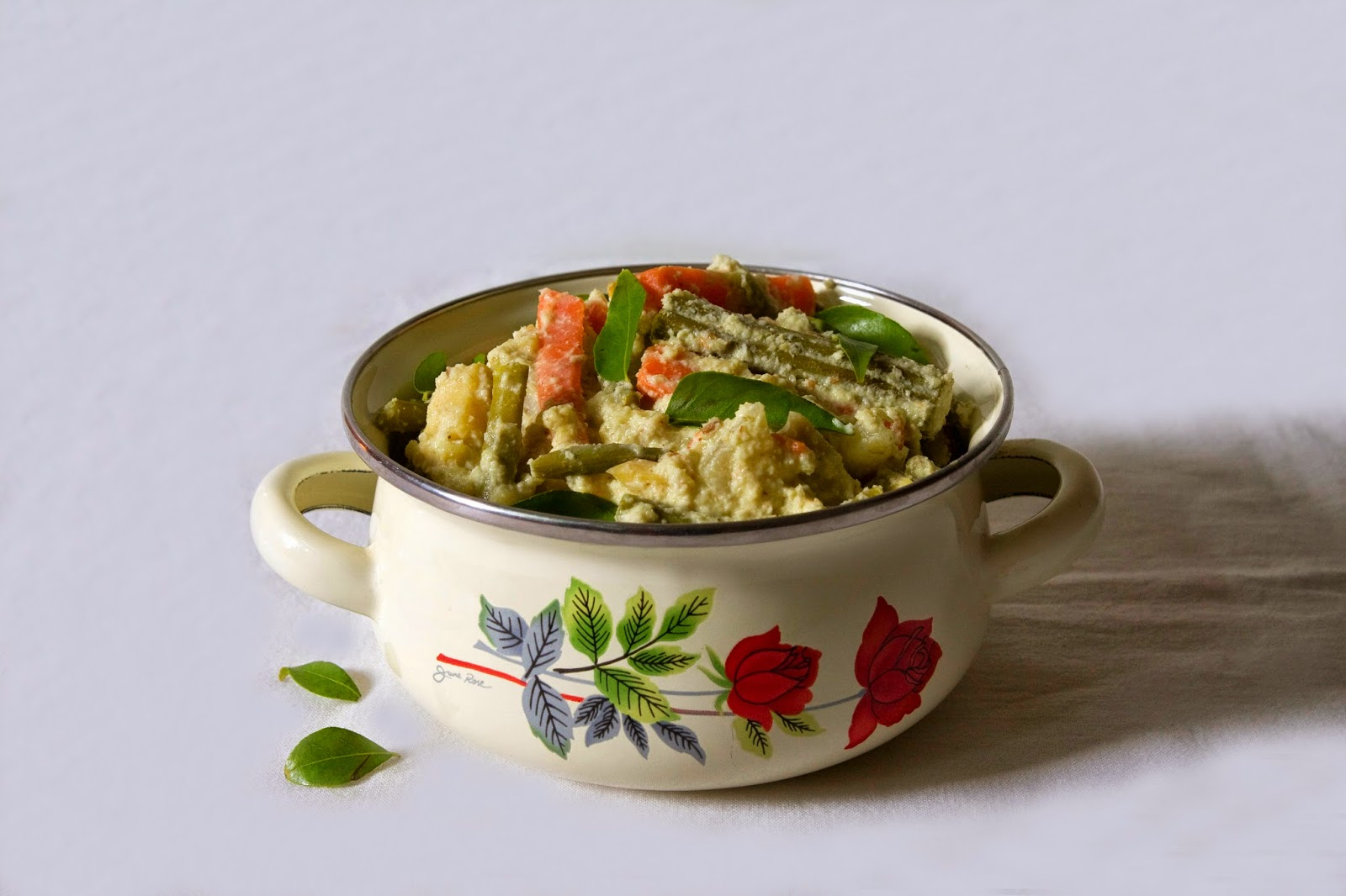 Aviyal (Mix vegetable in Curd)