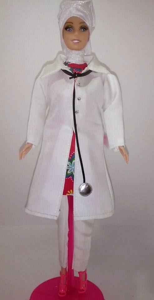Gambar boneka barbie muslim dokter