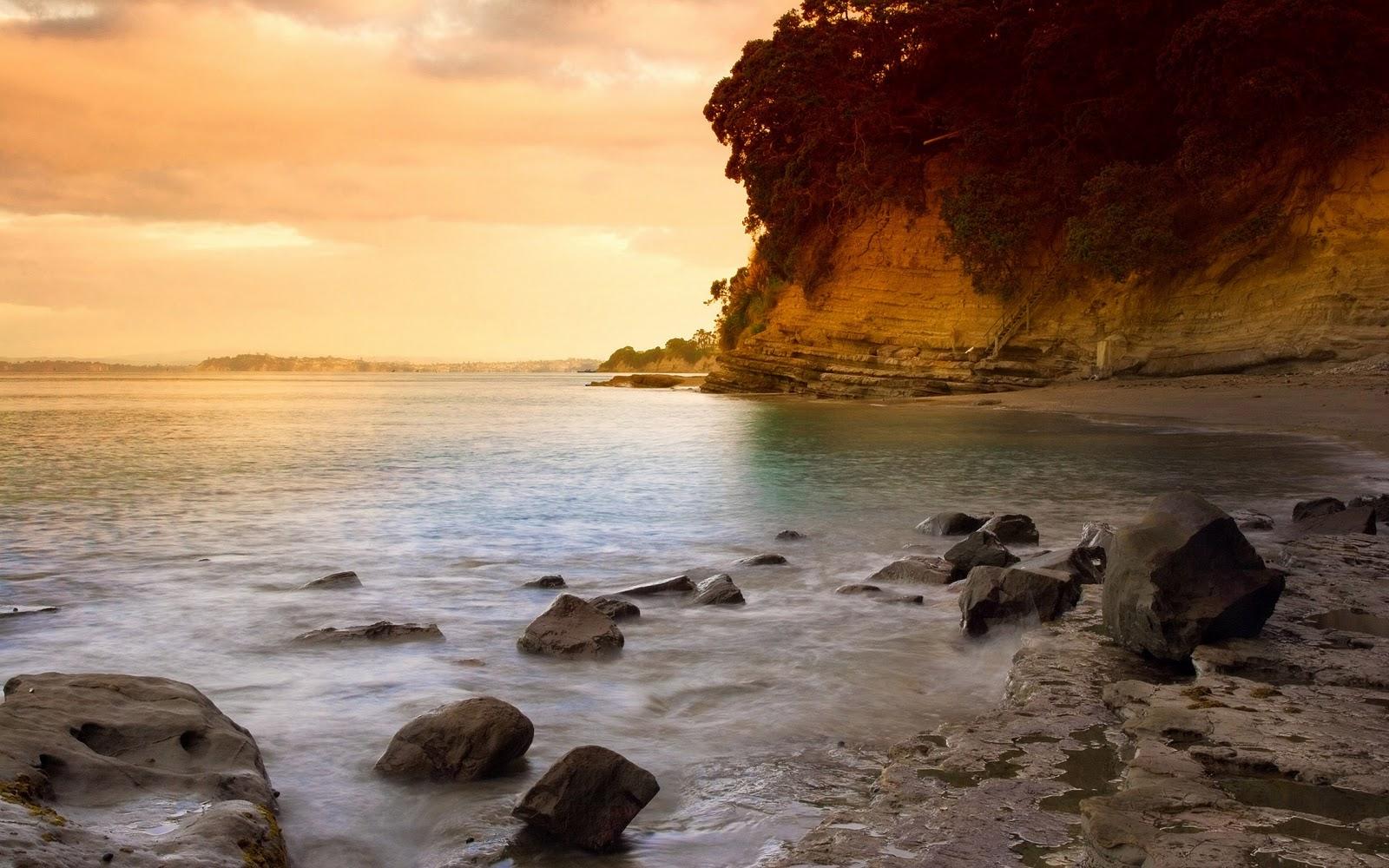 http://3.bp.blogspot.com/-UtgsaBsV4BM/TuJ1BkYeGeI/AAAAAAAAA30/birmEgX3kCU/s1600/beach+wallpaper+desktop+widescreen3.jpg