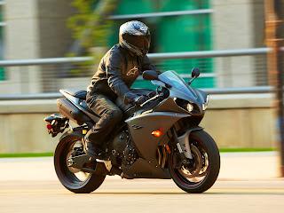 Gambar Motor 4 | Yamaha YZF-R1 2013