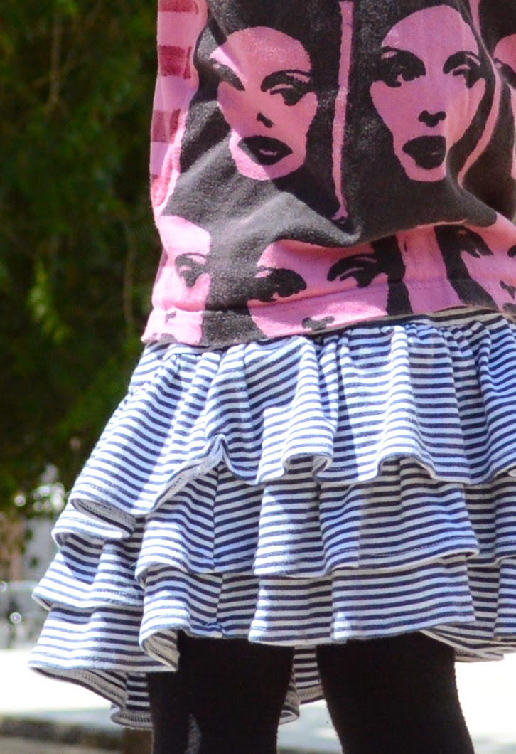 KIDdO Style: Vintage tank and Green Cotton skirt