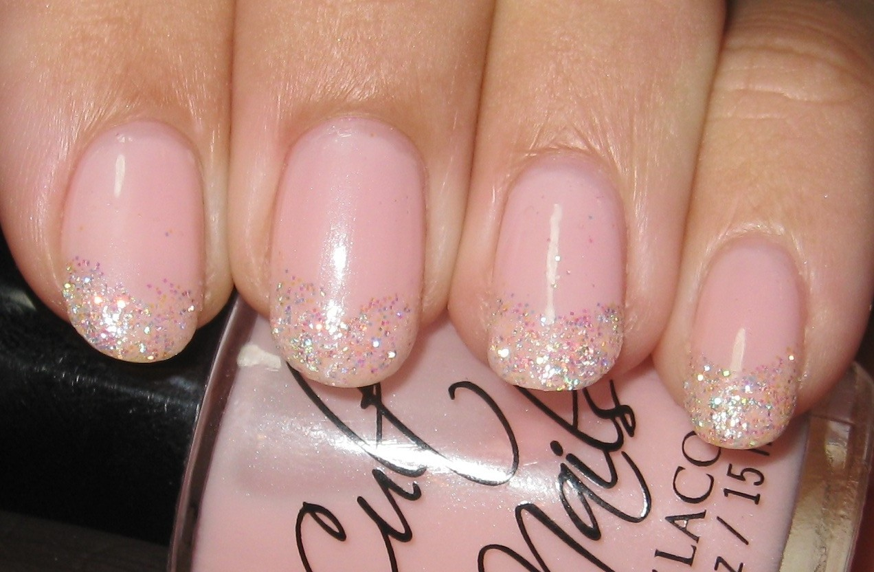 Enticing With Avon Nail Glitter Tips